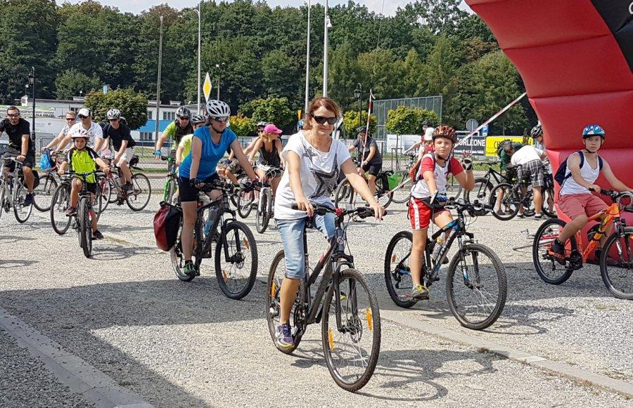 Kilkadziesiąt kilometrów na rowerze (wideo)