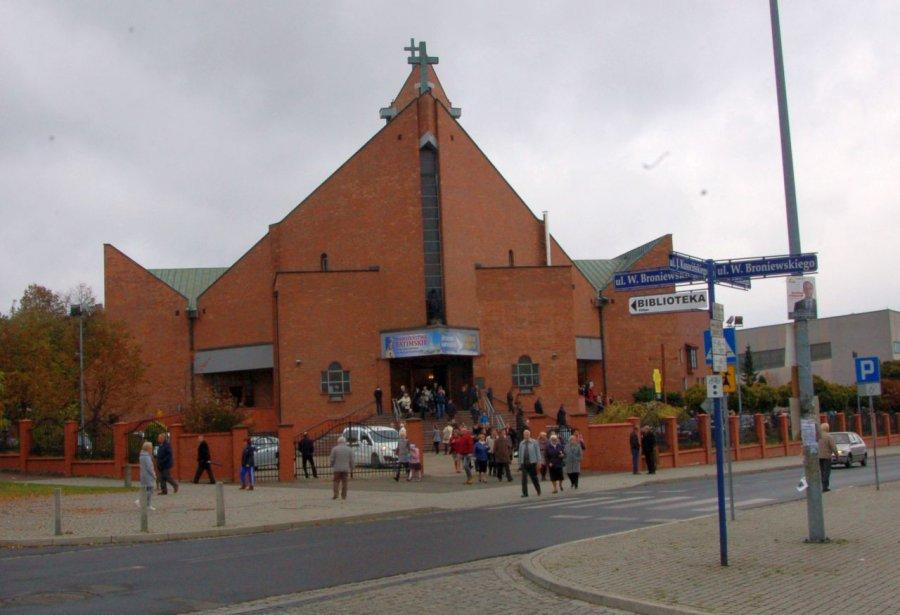 W kościołach trwa liczenie wiernych