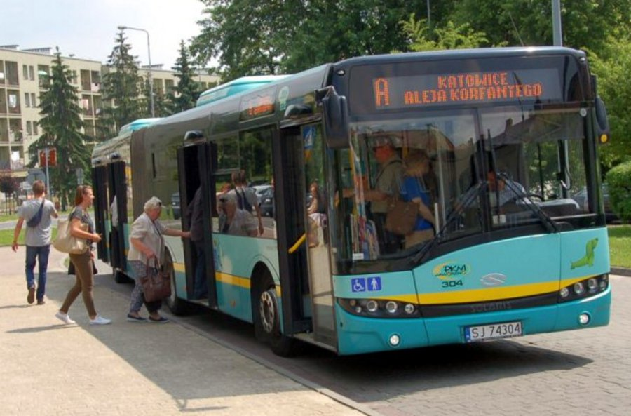 We Wszystkich Świętych możesz za darmo pojechać autobusem