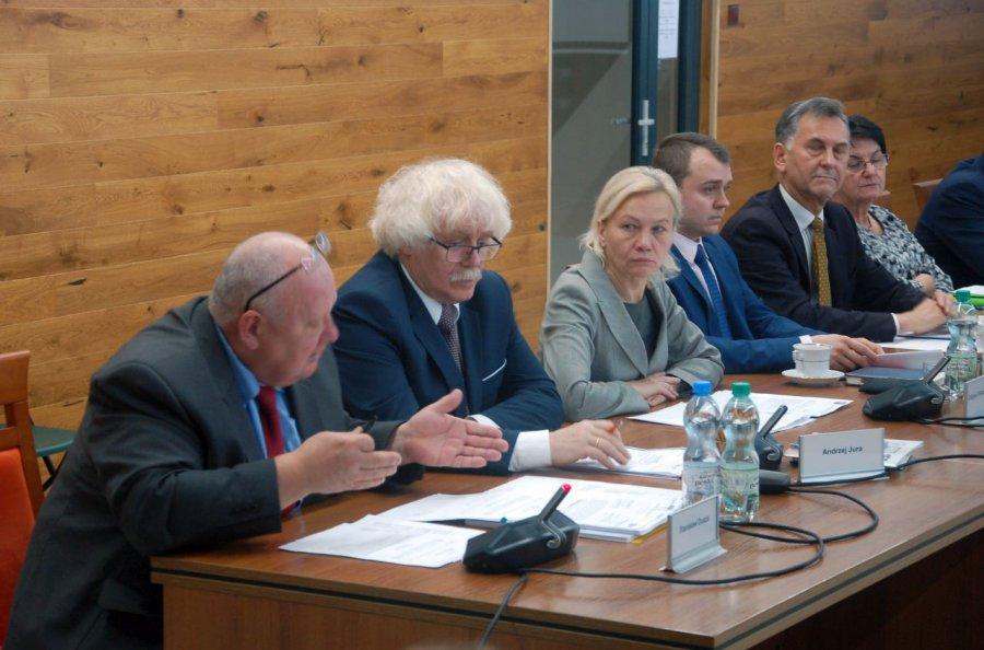 Opozycja w radzie powiatu dostała dwie komisje