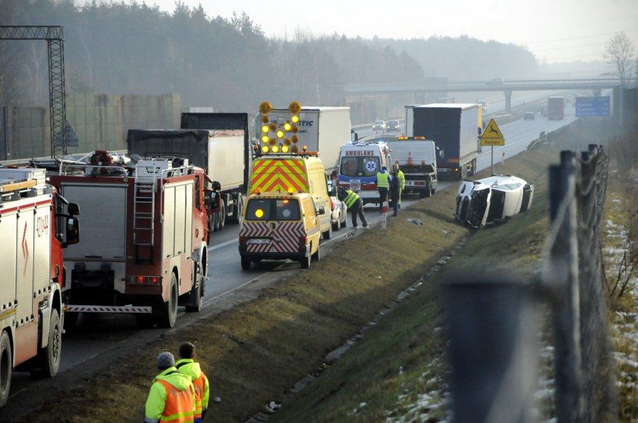 Wypadek na autostradzie A4. Ranny kierowca