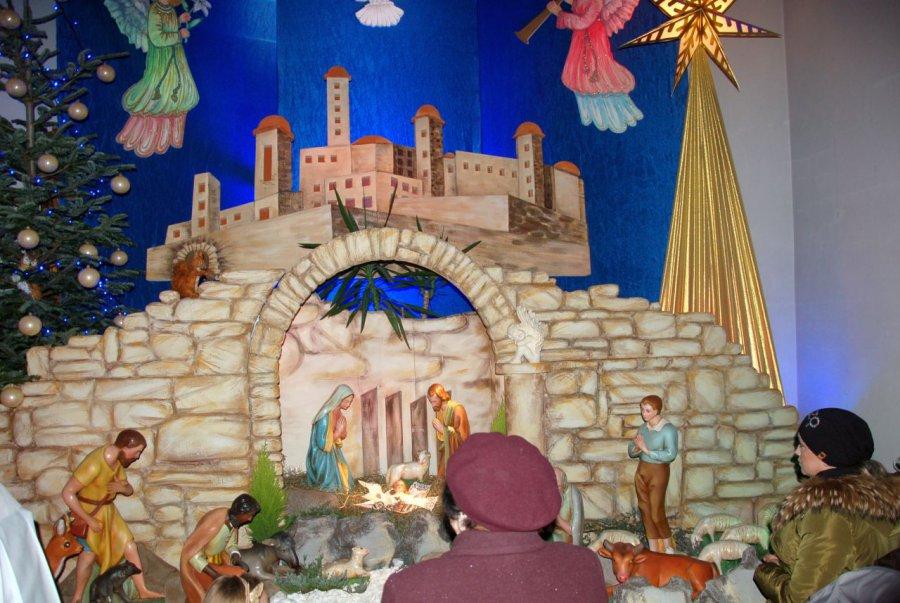 Zwłaszcza dzieci cieszą się z szopek stojących w kościołach