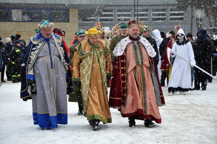 Orszak Trzech Króli przeszedł ulicami Chrzanowa (WIDEO)