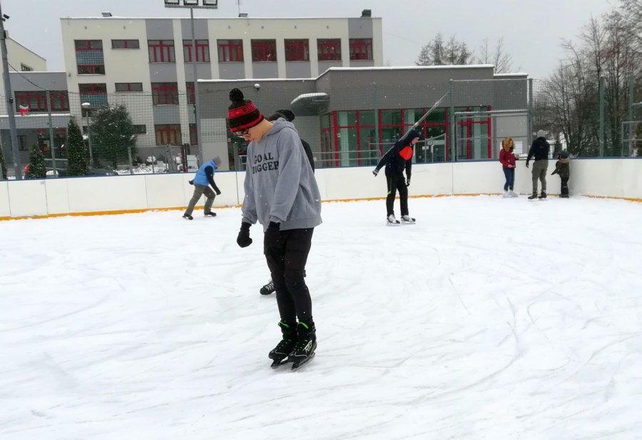 Uczniowie wejdą na lodowisko za symboliczną opłatą