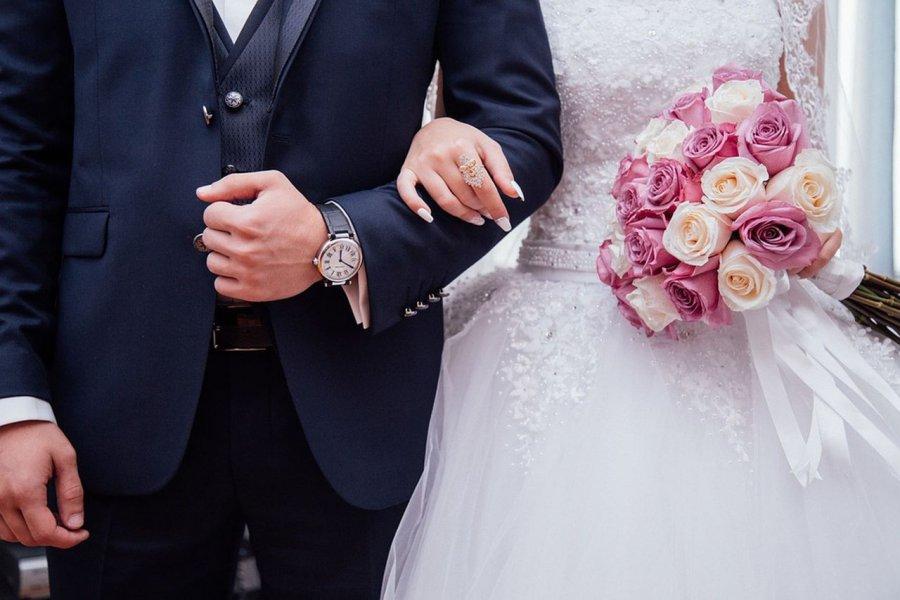 Księża martwią się małą liczbą zawieranych małżeństw