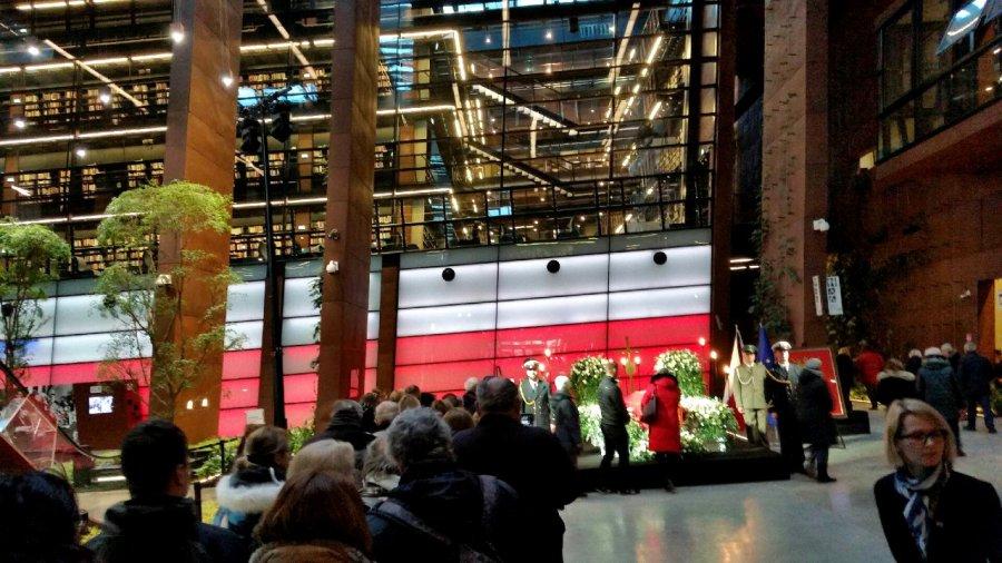 Wstrząśnięty tragedią Gdańsk żegna zamordowanego prezydenta