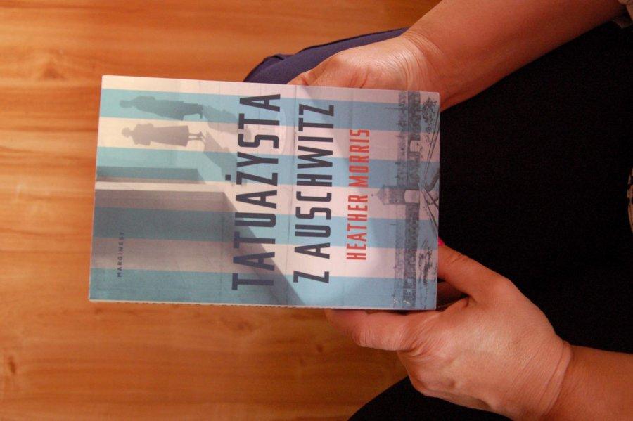 """Książka na weekend – """"Tatuażysta z Auschwitz"""""""