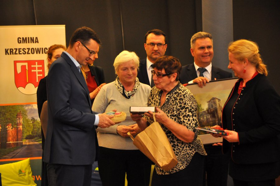 Premier Morawiecki spotkał się z seniorami (WIDEO, ZDJĘCIA)
