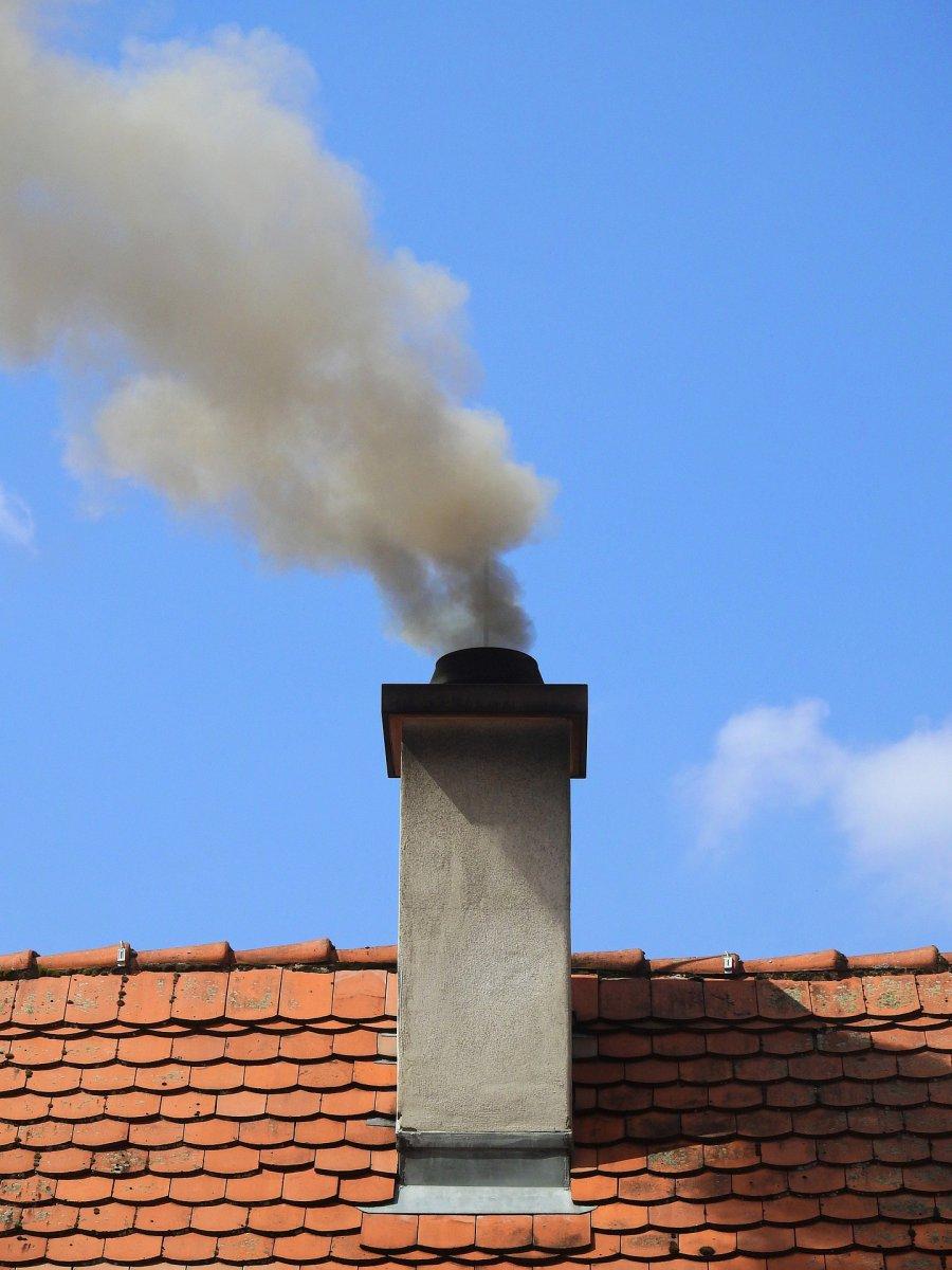 Sąsiad pali tym, czym nie powinien, a może ktoś sprzedaje węgiel złej jakości? Zgłoś to przez internet