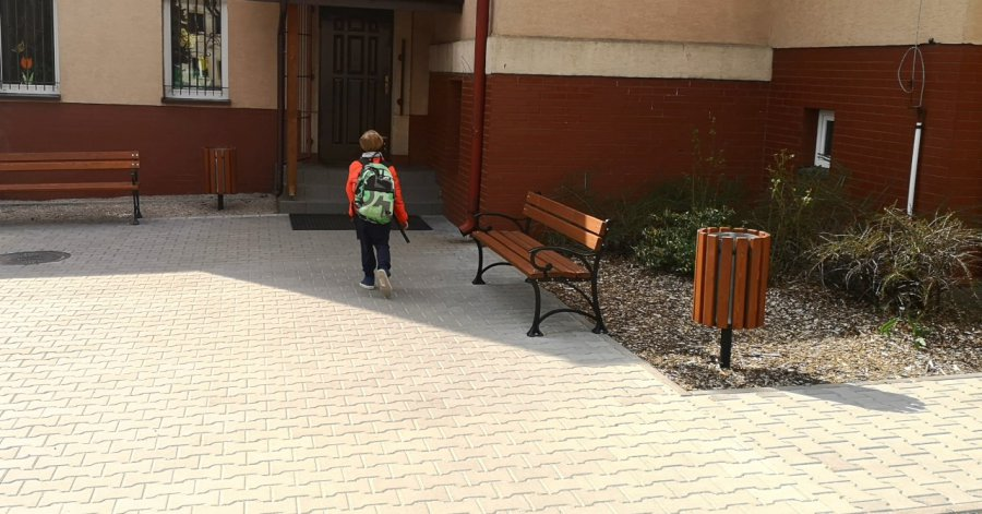 Gdy szkoła jest zamknięta, rodzicom należy się zasiłek