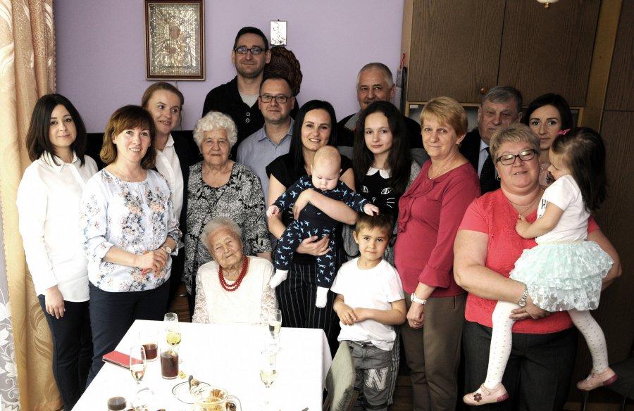 108 lat kończy Maria Budka ze Źródeł (WIDEO)