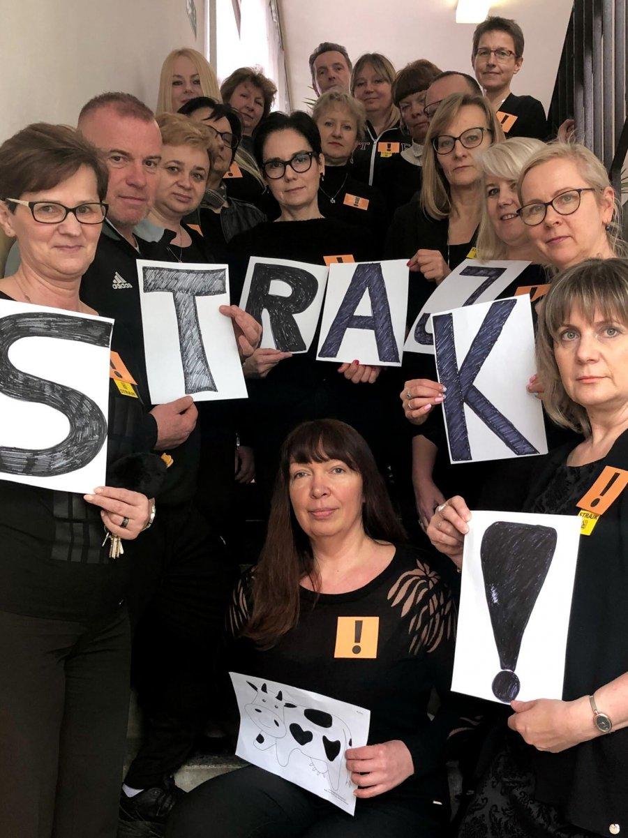 Strajku dzień ósmy.  Atmosfera coraz bardziej napięta