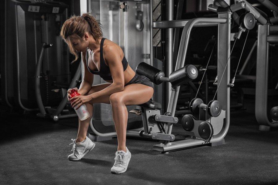 Atlasy do ćwiczeń – czym się kierować podczas zakupu tego sprzętu sportowego?