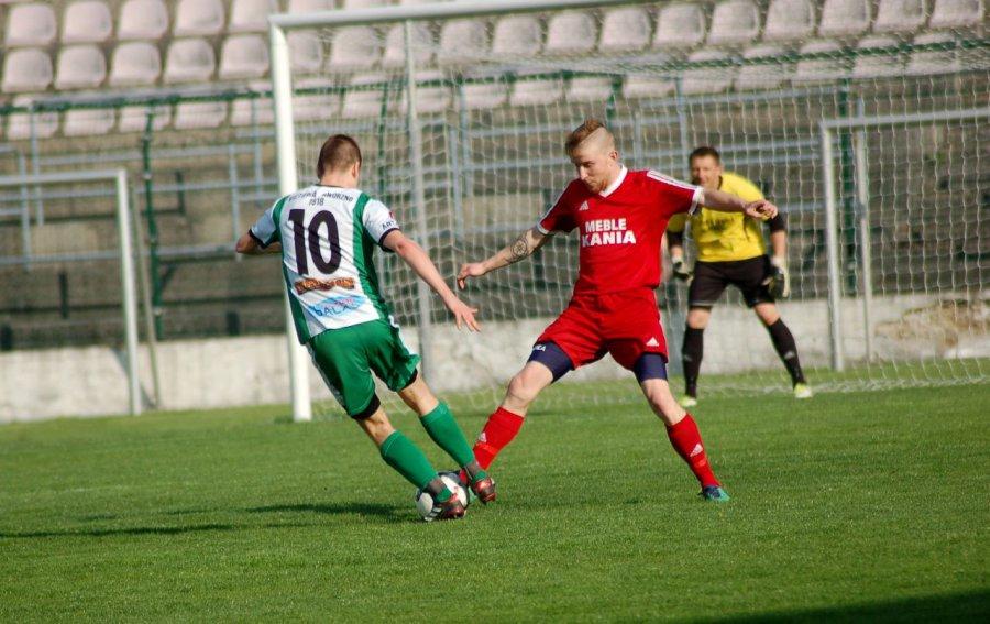 Piłkarze Gromca mieli w Jaworznie swoje sytuacje, ale przegrali (WIDEO)