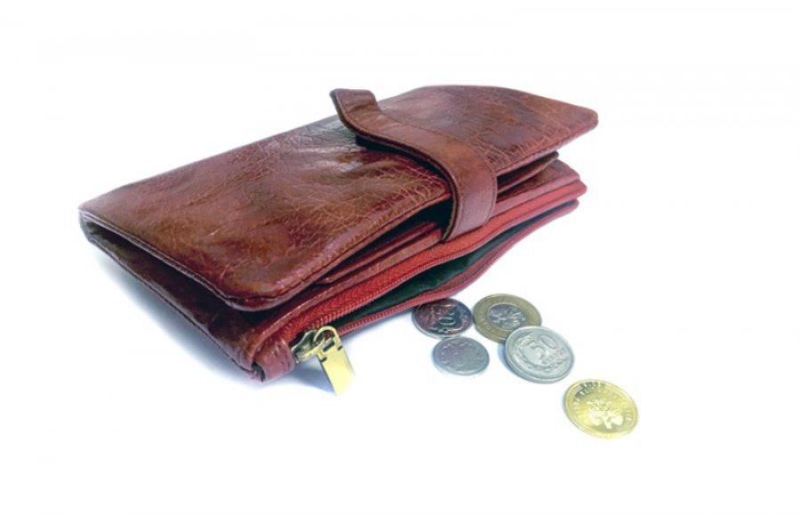Z sakiewką na zakupy? Czy sprzedawca może żądać zapłaty odliczoną kwotą?