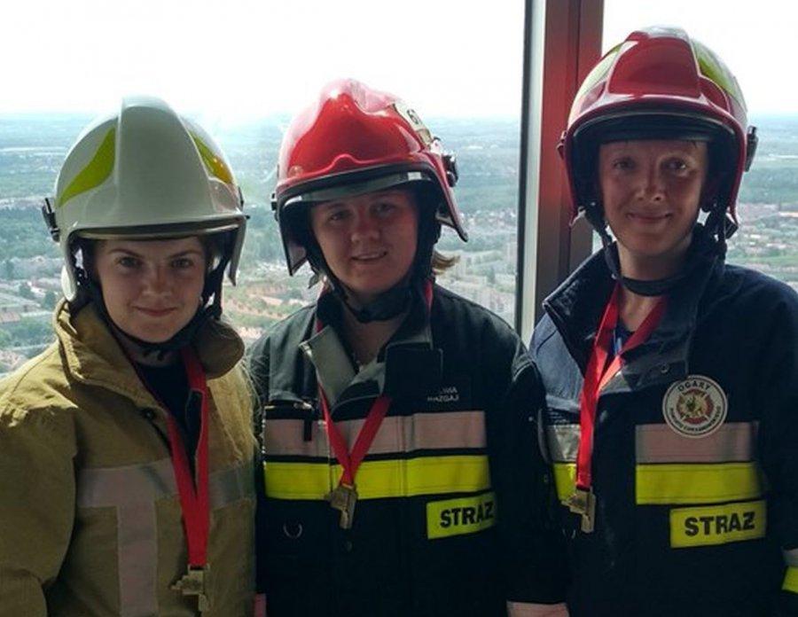 Nasi strażacy wbiegli na 49. piętro w bojowym umundurowaniu