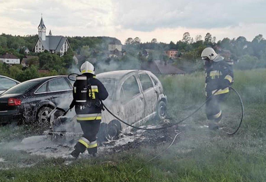 Spłonął samochód