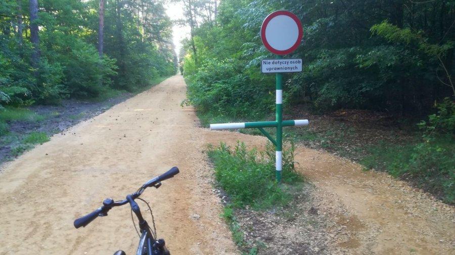 Przejechaliśmy się nową trasą rowerową. Skróci drogę cyklistom (WIDEO)