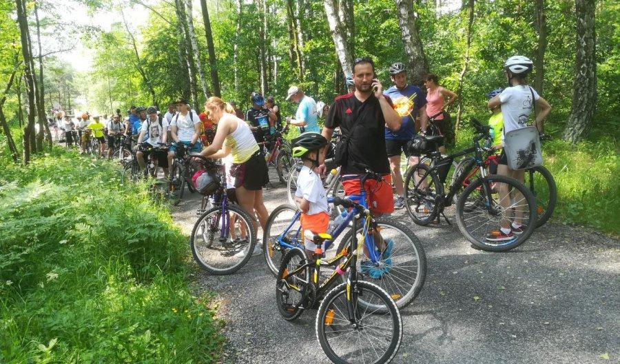 Pojechali na rowerach szlakiem Fabloku (WIDEO)