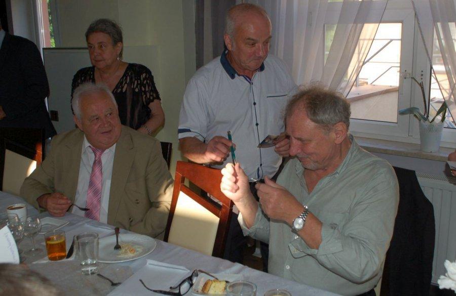 Andrzej Grabowski z kolegami i koleżankami świętował 50-lecie matury (WIDEO)
