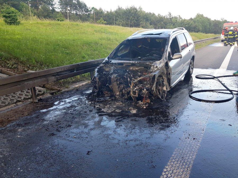 Na autostradzie A4 spalił się samochód