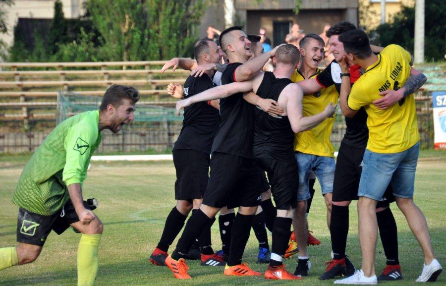 Piłkarze Libiąża wywalczyli awans w święto miasta (WIDEO, ZDJĘCIA)