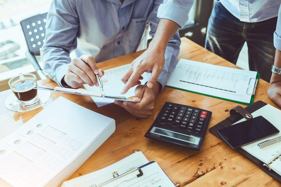 Dlaczego warto czytać opinie o chwilówkach i pożyczkach?