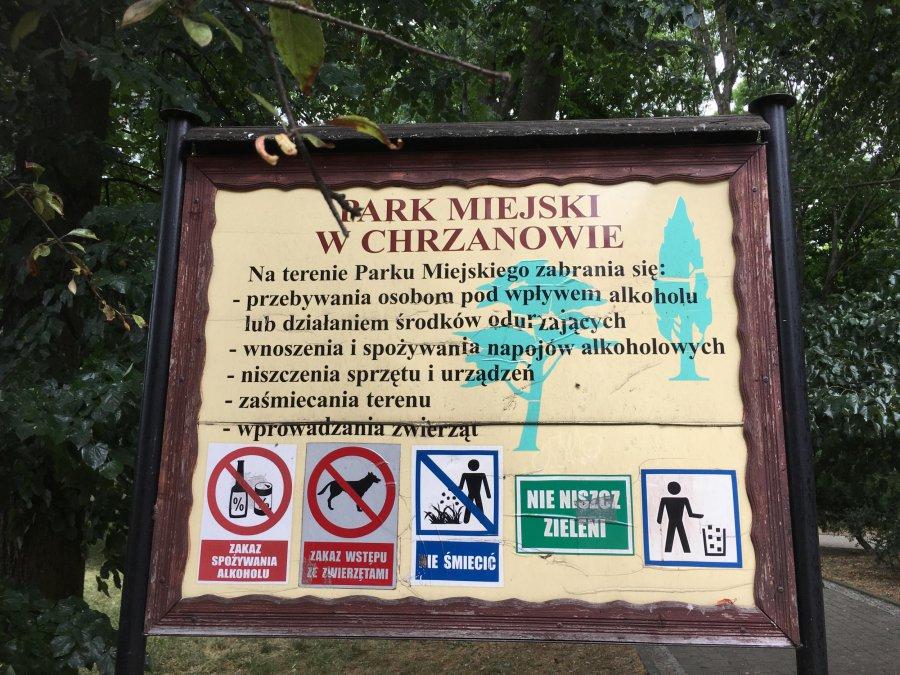Zakaz wprowadzania psów do parku nielegalny?