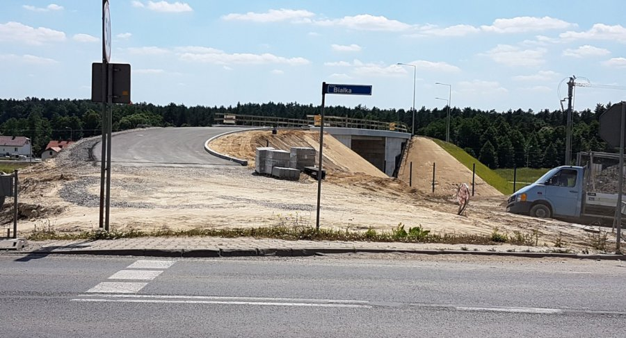 Na nowym wiadukcie już leży asfalt