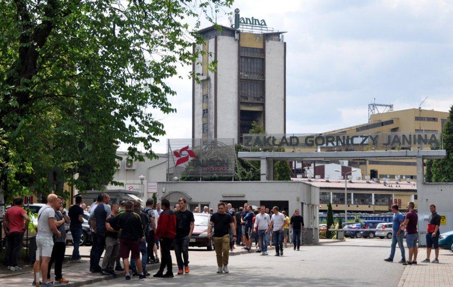 Górnicy z kopalni Janina pikietowali. Strajk ciągle możliwy