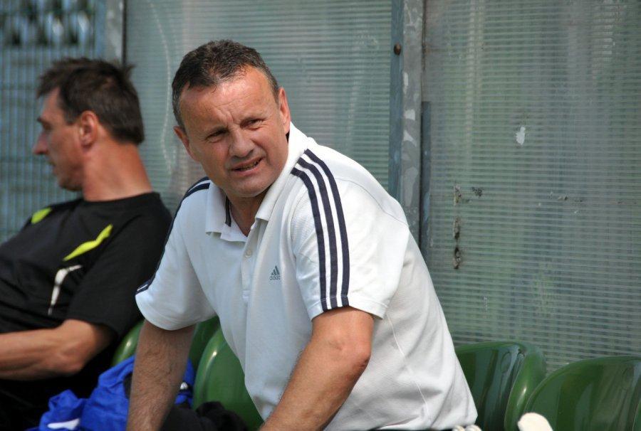 Klub zatrudnił trenera ze znanym nazwiskiem. Grał przeciwko Zidane'owi i Lizarazu
