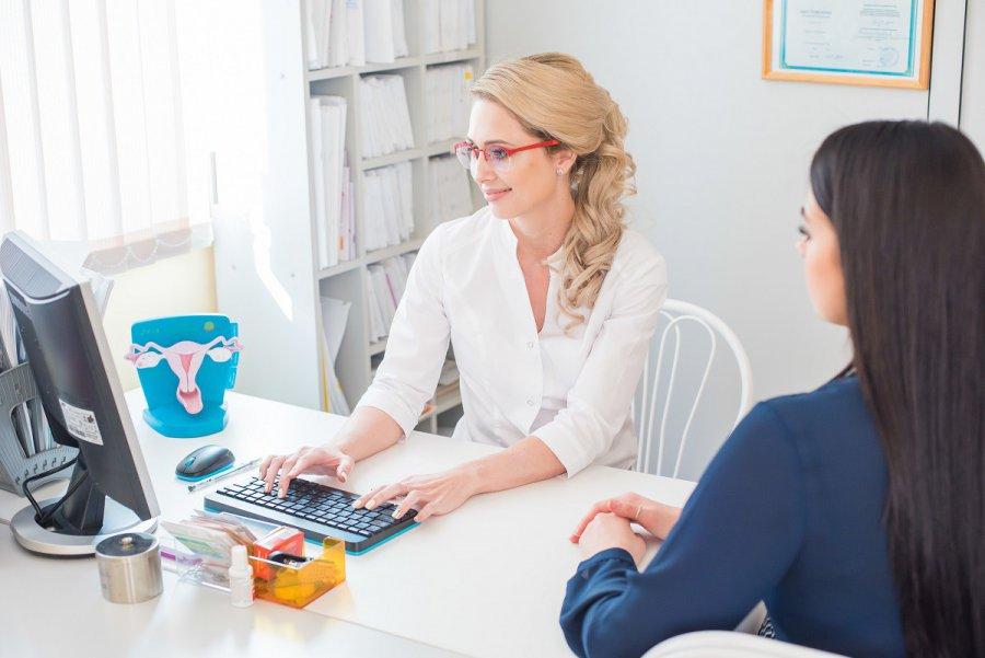 Dlaczego warto regularnie odwiedzać ginekologa?