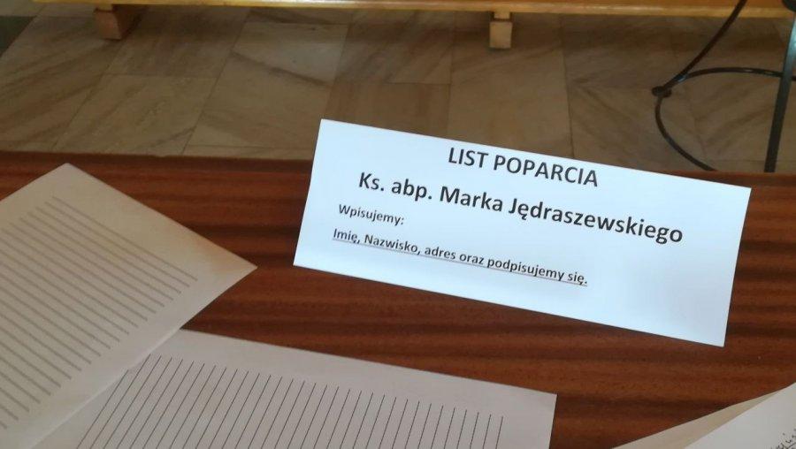 Wierni z dekanatu chrzanowskiego wspierają arcybiskupa Marka Jędraszewskiego