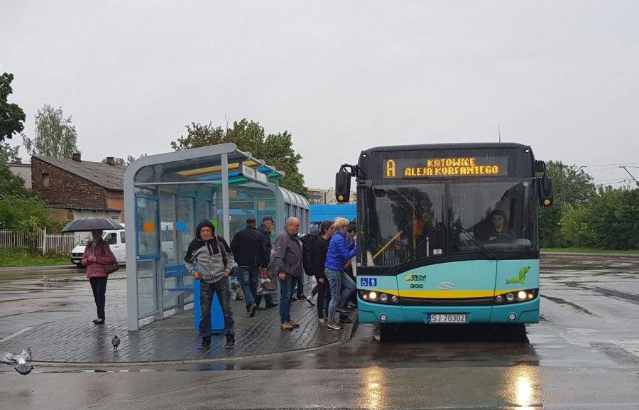 Przed defiladą w Katowicach nastąpi zmiana tras autobusów