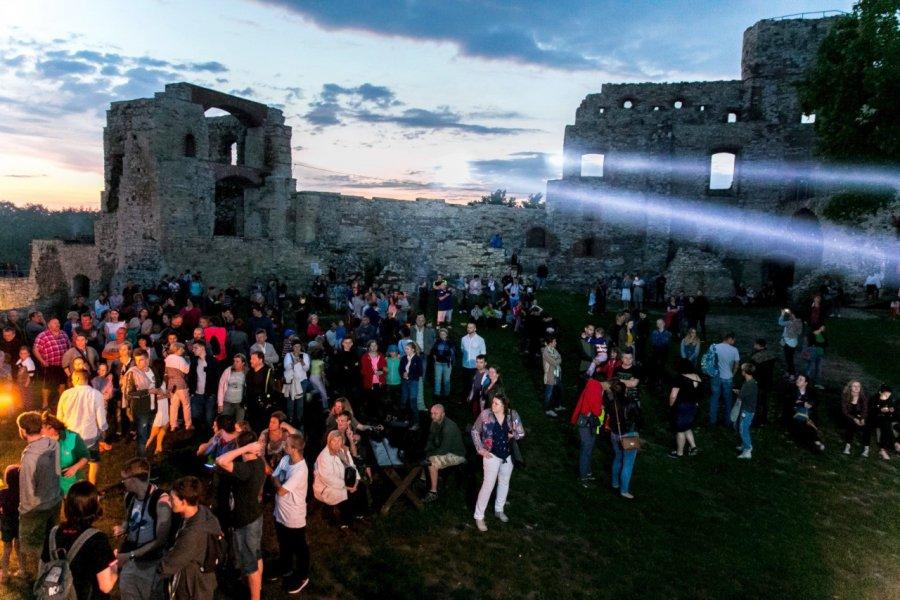 Nocne zwiedzanie zamku Tenczyn