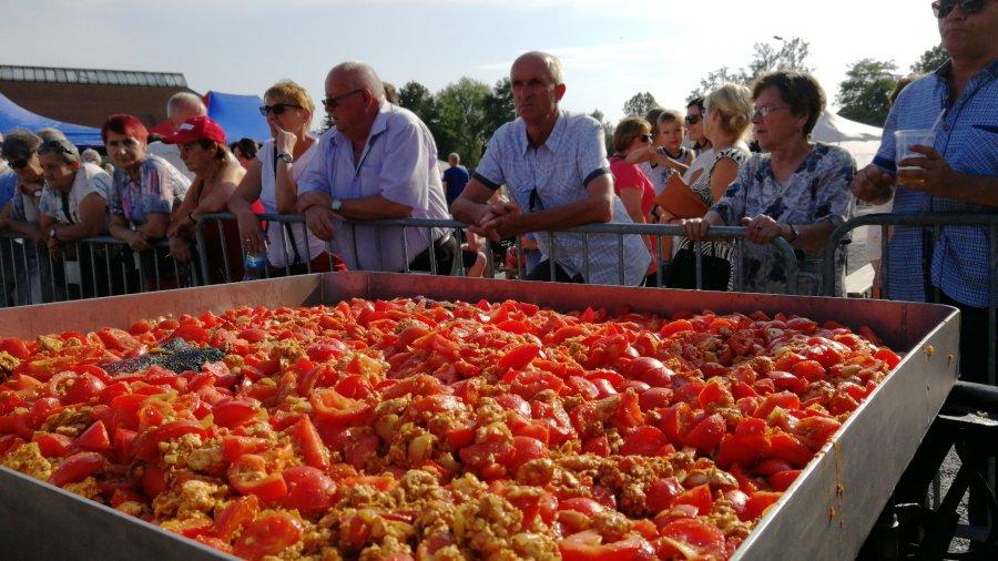 Nawarzyli pomidorów i piwka po krzeszowicku (WIDEO)