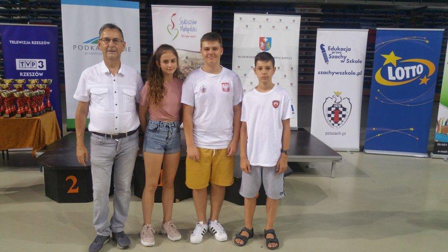 Szachiści Hetmana Koronnego wrócili z Rzeszowa z medalami