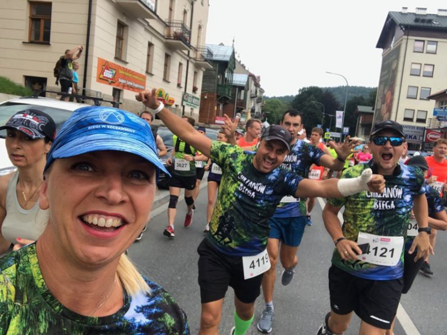 Chrzanowscy parkrunowcy biegli w Życiowej Dziesiątce. Trwa Festiwal Biegowy w Krynicy (WIDEO)