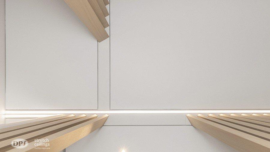 Jak wykorzystać sufit napinany w aranżacji przestrzennej? Projektanci wnętrz z Krakowa znają odpowiedź.