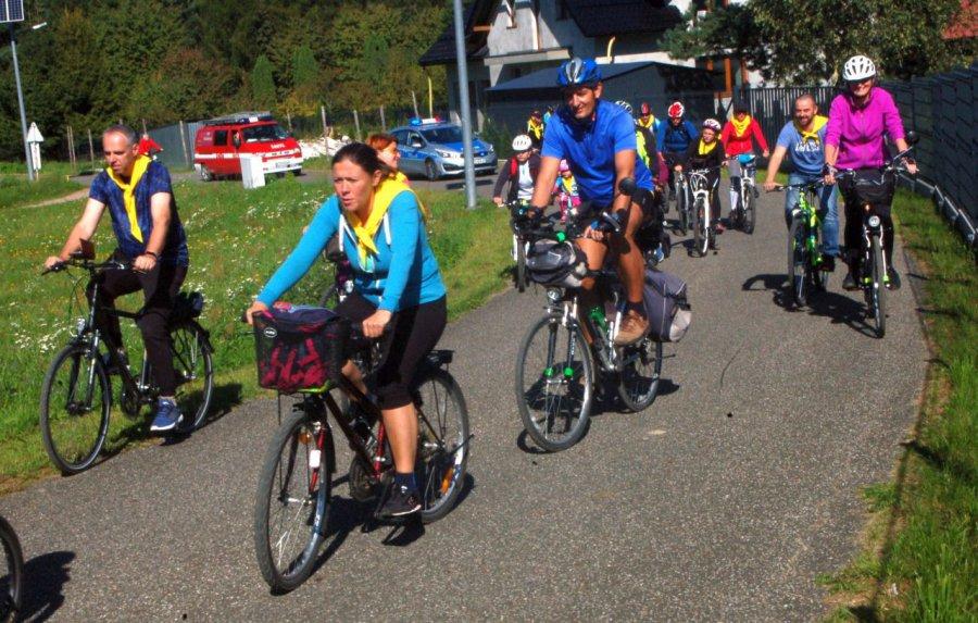 Jedna z uczestniczek rajdu odjechała na nowym rowerze (WIDEO)