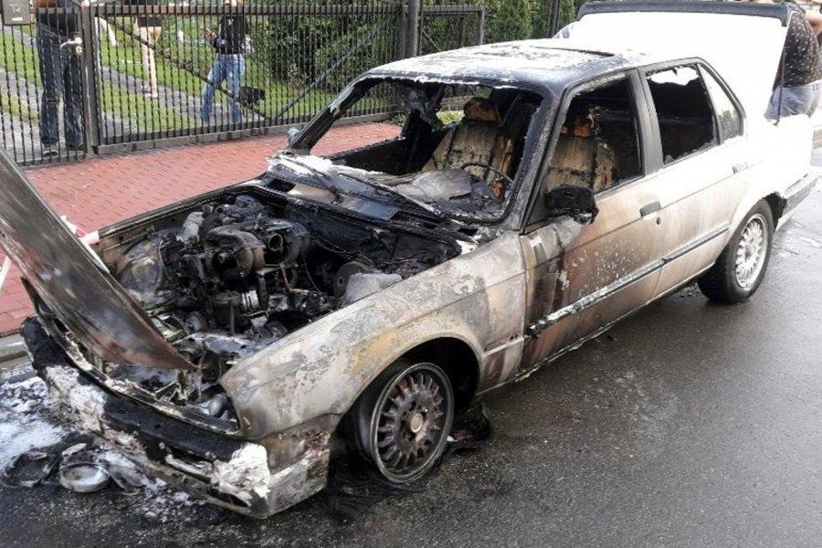 W Libiążu spłonęło BMW