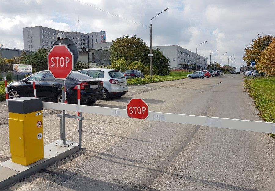 Parking przed szpitalem tylko dla pacjentów