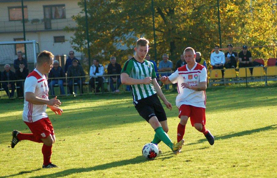 Piłkarze Żarek szybko strzelili gola, ale nie poszli za ciosem (WIDEO, ZDJĘCIA)