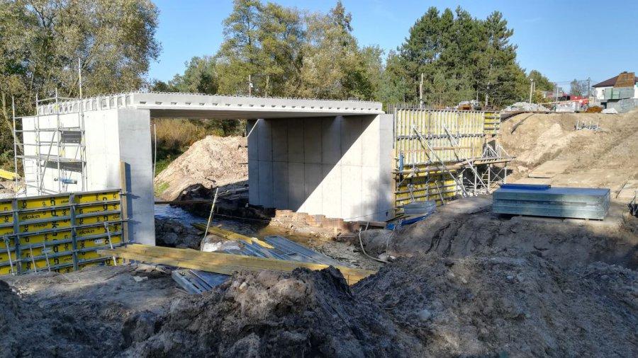 Most rośnie, jak na drożdżach