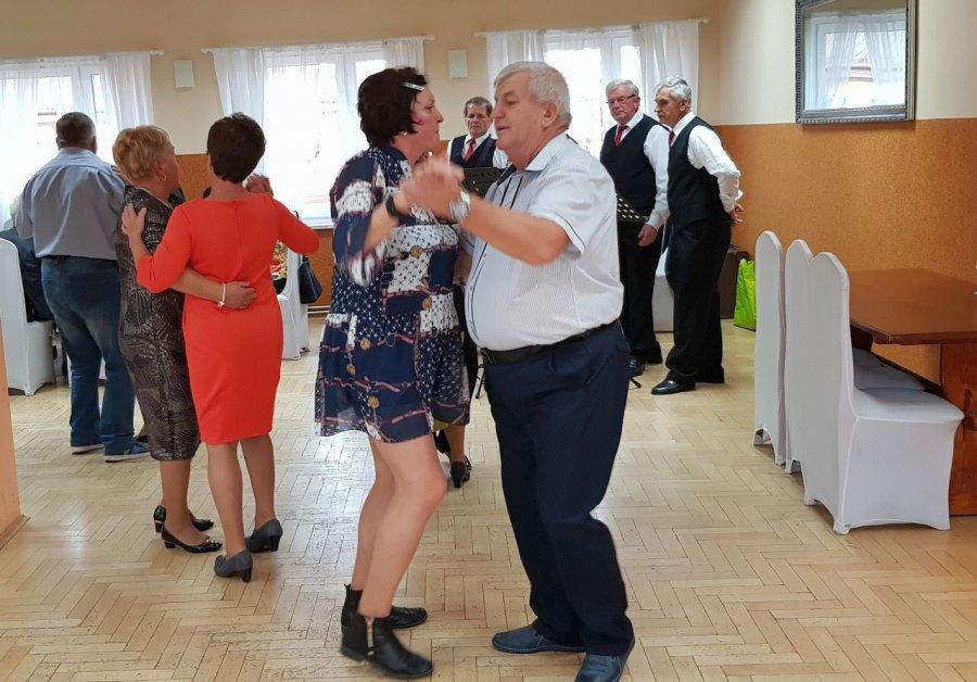 Seniorzy z Zagórza potrafią się bawić (WIDEO)
