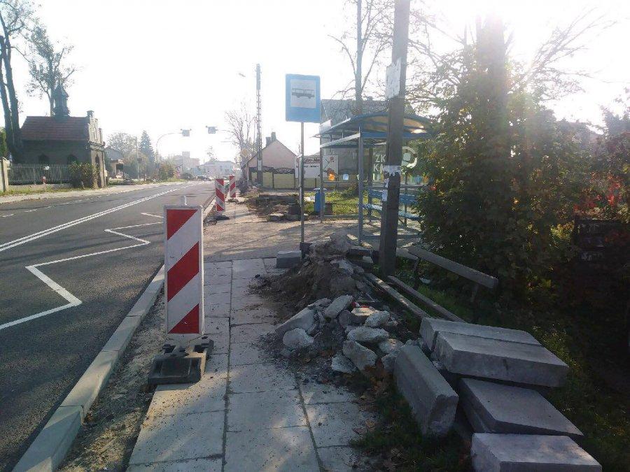 Na chodniki przy Śląskiej trzeba poczekać do końca listopada