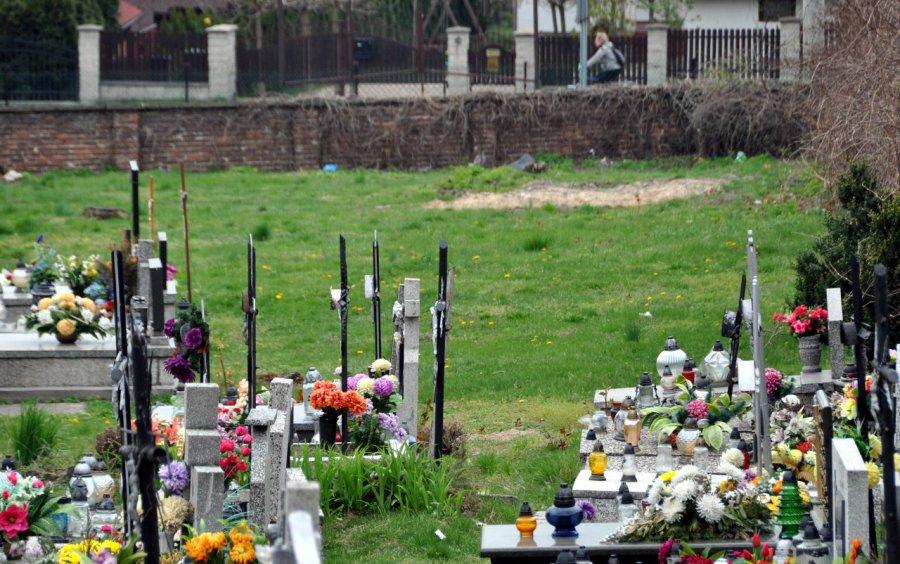 Na tym cmentarzu jest niepoświęcona ziemia