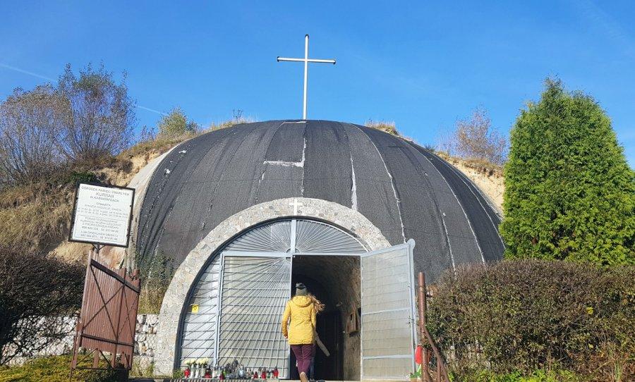 Jedyny taki obiekt w Europie stoi na ziemi chrzanowskiej. Jak wygląda w środku? (WIDEO)