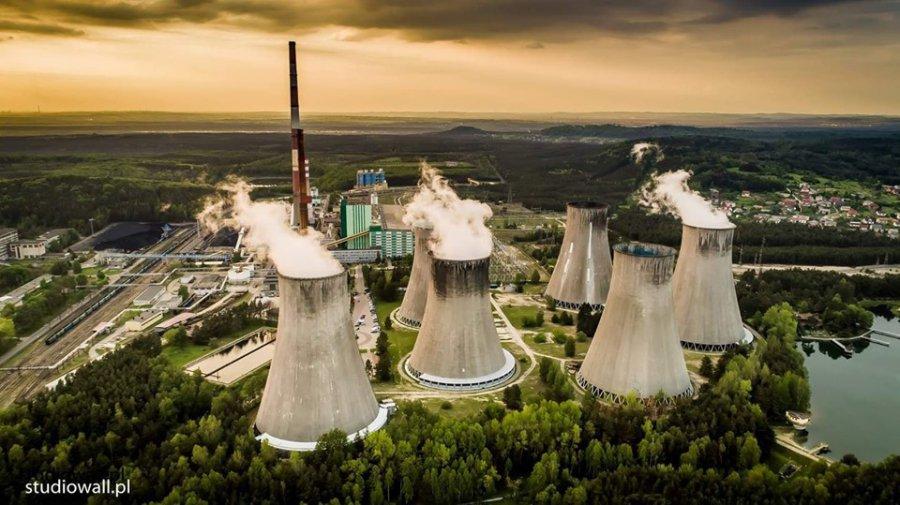 Pierwsza chłodnia kominowa elektrowni do wyburzenia. Będzie następna