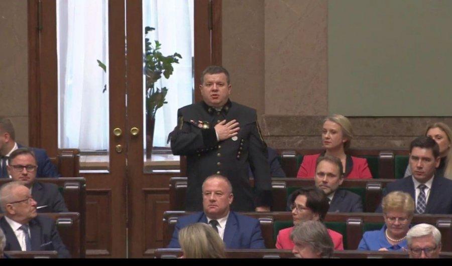 Krzysztof Kozik zasiadł w poselskich ławach w mundurze górniczym